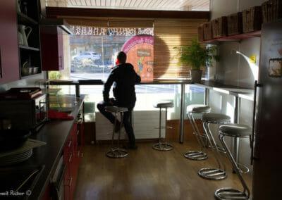 salle a manger - cuisine du petit baroudeur backpacker
