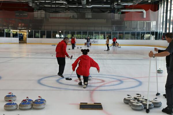 Initiation au Curling - Palladium à Champéry - Activités de l'hiver